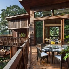 Отель Resorts World Sentosa - Beach Villas балкон