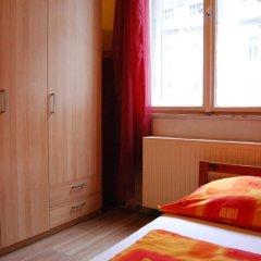 Boomerang Hostel and Apartments Стандартный номер с различными типами кроватей (общая ванная комната) фото 10