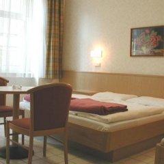 Отель Pension Fünfhaus Вена комната для гостей фото 4