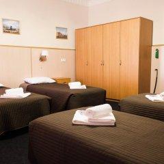 Гостиница Стасов 3* Стандартный семейный номер с двуспальной кроватью (общая ванная комната) фото 2