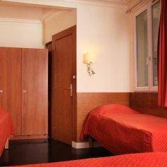 Отель Hôtel Marignan Стандартный номер с двуспальной кроватью (общая ванная комната) фото 3
