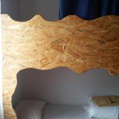 Отель Guest House Host O Morro Кровать в мужском общем номере с двухъярусными кроватями фото 13