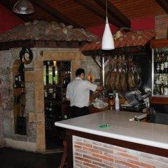 Отель Hostal Monte Rio гостиничный бар