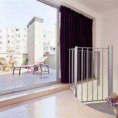 Отель Charmsuites Nou Rambla балкон