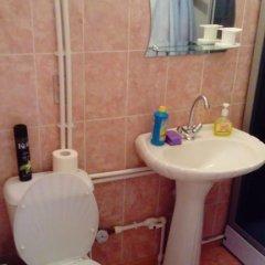 Гостиница on Rizhskaya 10 в Плескове отзывы, цены и фото номеров - забронировать гостиницу on Rizhskaya 10 онлайн Плесков ванная