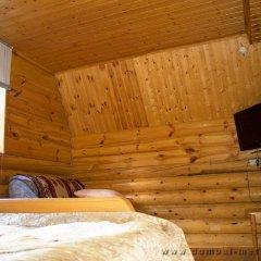 Гостиница Меридиан Стандартный семейный номер с двуспальной кроватью (общая ванная комната)