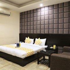 Отель FabHotel Aksh Palace Golf Course Road 3* Номер Делюкс с различными типами кроватей фото 12