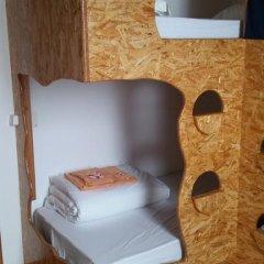 Отель Guest House Host O Morro Кровать в мужском общем номере с двухъярусными кроватями фото 11