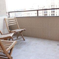 Отель Rent in Yerevan - Apartments on Deghatan str. Армения, Ереван - отзывы, цены и фото номеров - забронировать отель Rent in Yerevan - Apartments on Deghatan str. онлайн балкон