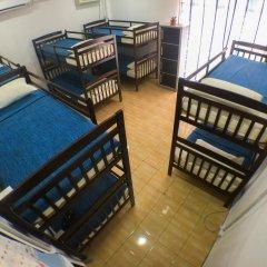 Alice Semporna Backpackers Hostel Кровать в женском общем номере с двухъярусной кроватью