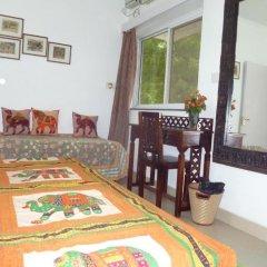 Отель Mayas Nest Индия, Нью-Дели - отзывы, цены и фото номеров - забронировать отель Mayas Nest онлайн удобства в номере фото 2