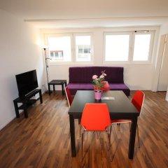 Апартаменты HITrental Badenerstrasse Apartments комната для гостей фото 2