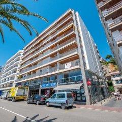 Отель Apartaments AR Borodin Испания, Льорет-де-Мар - отзывы, цены и фото номеров - забронировать отель Apartaments AR Borodin онлайн парковка