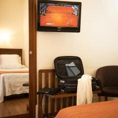 Отель Aliados 3* Номер категории Эконом с двуспальной кроватью фото 4