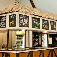 Отель Geckos Resort гостиничный бар