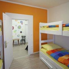 Pozitiv Hostel Кровать в общем номере с двухъярусной кроватью фото 15