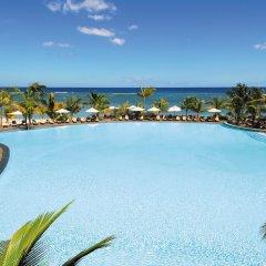 Отель Victoria Beachcomber Resort & Spa бассейн фото 2