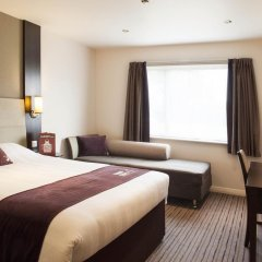 Отель Premier Inn Glasgow Pacific Quay комната для гостей фото 11