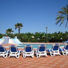 Отель Camping Vendrell Platja бассейн