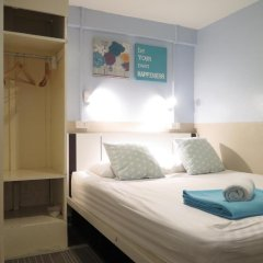 I-Sleep Silom Hostel Стандартный номер с двуспальной кроватью (общая ванная комната) фото 5