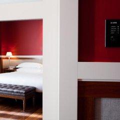 Hotel 1898 сейф в номере