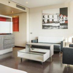 Отель ILUNION Barcelona 4* Улучшенный номер с различными типами кроватей