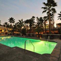 Отель Downtown LA Extended Stay бассейн