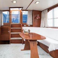 Отель Authentic Houseboats Amsterdam Нидерланды, Амстердам - отзывы, цены и фото номеров - забронировать отель Authentic Houseboats Amsterdam онлайн ванная