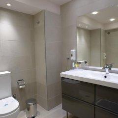 Отель Piraeus Dream 2* Стандартный семейный номер с двуспальной кроватью фото 5