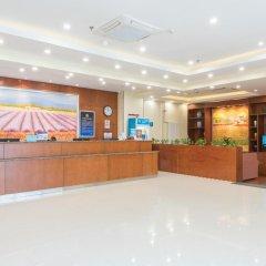 Отель Hanting Hotel Beijing Liufang Branch Китай, Пекин - отзывы, цены и фото номеров - забронировать отель Hanting Hotel Beijing Liufang Branch онлайн интерьер отеля