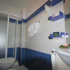 Отель Pesce d'Oro Италия, Вербания - отзывы, цены и фото номеров - забронировать отель Pesce d'Oro онлайн ванная