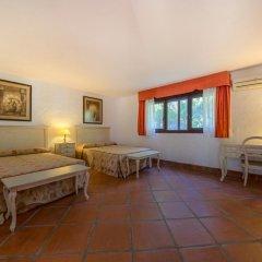 Отель Hacienda Roche Viejo Испания, Кониль-де-ла-Фронтера - отзывы, цены и фото номеров - забронировать отель Hacienda Roche Viejo онлайн комната для гостей фото 2
