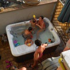 Hotel Ottavia Римини бассейн