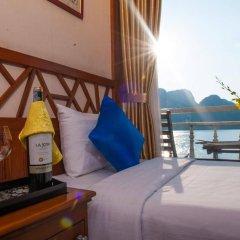 Отель Gray Line Halong Cruise 4* Номер Делюкс фото 7