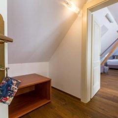 Отель U Zlatého Gryfa Чехия, Прага - отзывы, цены и фото номеров - забронировать отель U Zlatého Gryfa онлайн удобства в номере фото 2