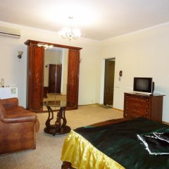 Мини-отель Калифорния Полулюкс с различными типами кроватей фото 2