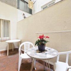 Отель Hostal Elkano Барселона балкон