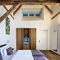 Отель Golden Crown 4* Улучшенный номер с двуспальной кроватью фото 29