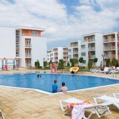 Отель PMG Nessebar Fort Apartments Болгария, Солнечный берег - отзывы, цены и фото номеров - забронировать отель PMG Nessebar Fort Apartments онлайн бассейн
