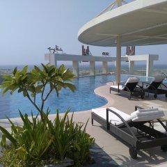 Отель Grand Millennium Muscat бассейн
