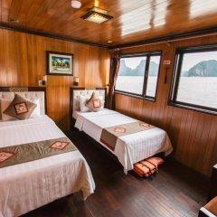 Отель Majestic Halong Cruise 3* Номер Делюкс с двуспальной кроватью фото 4