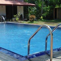 Отель Coco Cabana Шри-Ланка, Бентота - отзывы, цены и фото номеров - забронировать отель Coco Cabana онлайн бассейн фото 3