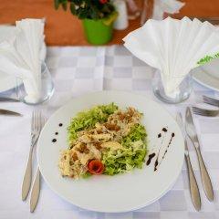 Отель Sinabovite Houses Болгария, Боженци - отзывы, цены и фото номеров - забронировать отель Sinabovite Houses онлайн питание фото 2