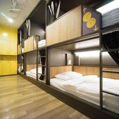BRB Hostel Bangkok Silom Кровать в женском общем номере с двухъярусной кроватью