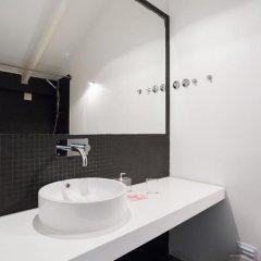 Отель Feels Like Home Bairro Alto Luxus Flat Португалия, Лиссабон - отзывы, цены и фото номеров - забронировать отель Feels Like Home Bairro Alto Luxus Flat онлайн ванная