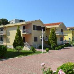 Отель Kolaveri Resort парковка