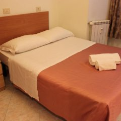Отель Merulana Star Номер категории Эконом с различными типами кроватей фото 12