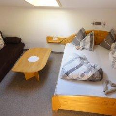 Отель Garni Schneeburghof Тироло комната для гостей фото 5