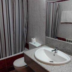 Отель Apartamentos Querol Вальдерробрес ванная