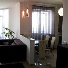 Гостиница Nadiya Apartments 1 Украина, Сумы - отзывы, цены и фото номеров - забронировать гостиницу Nadiya Apartments 1 онлайн комната для гостей фото 2